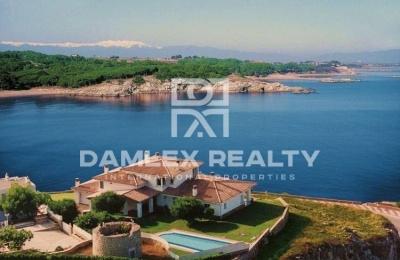 Villa frente al mar en L