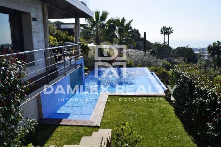 Casa / Villa de 7 habitaciones, parcela 1200m2, en venta en Premia de Dalt, Costa Barcelona (Norte)