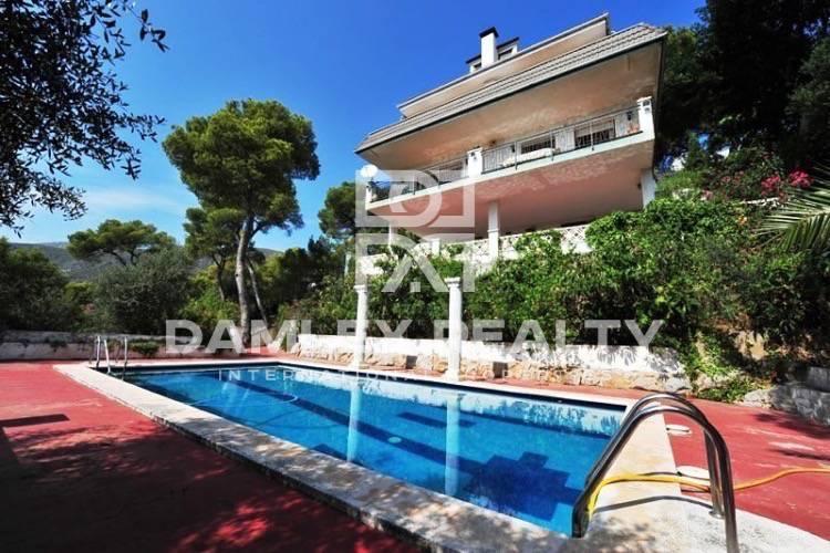 Casa con vistas panorámicas al mar en Castelldefels. Costa del Garraf