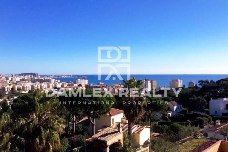 Casa en construcción con vistas al mar en Costa Brava