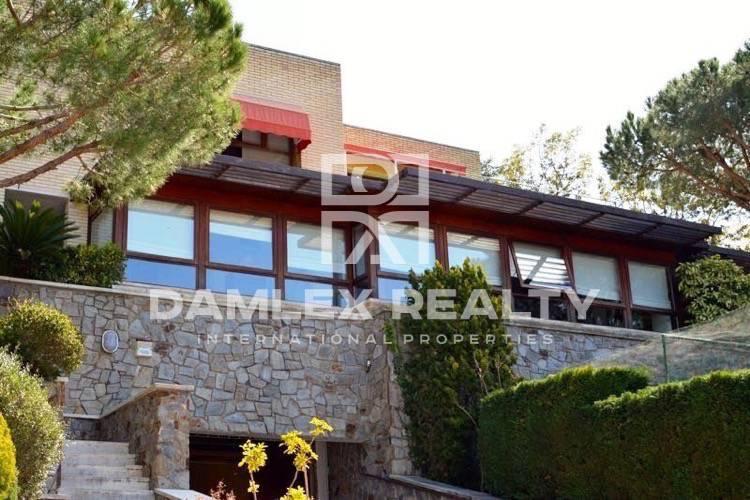 Villa con vistas panorámicas en la localidad de Cabrils. Costa Maresme