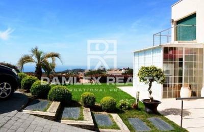 Casa con vistas al mar ya la montaña. Sant Vicenç de Montalt