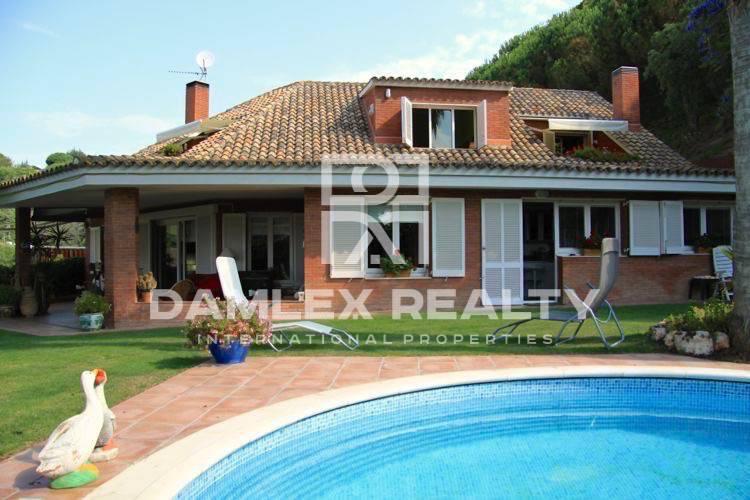 Villa de 300m2 en Costa Maresme
