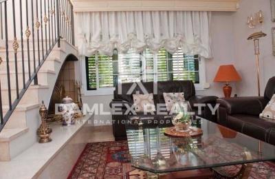 Preciosa casa en venta en la población de Calella. Costa Maresme