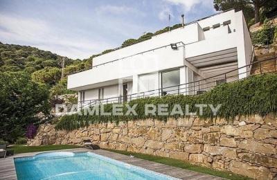 Modern villa Costa Maresme