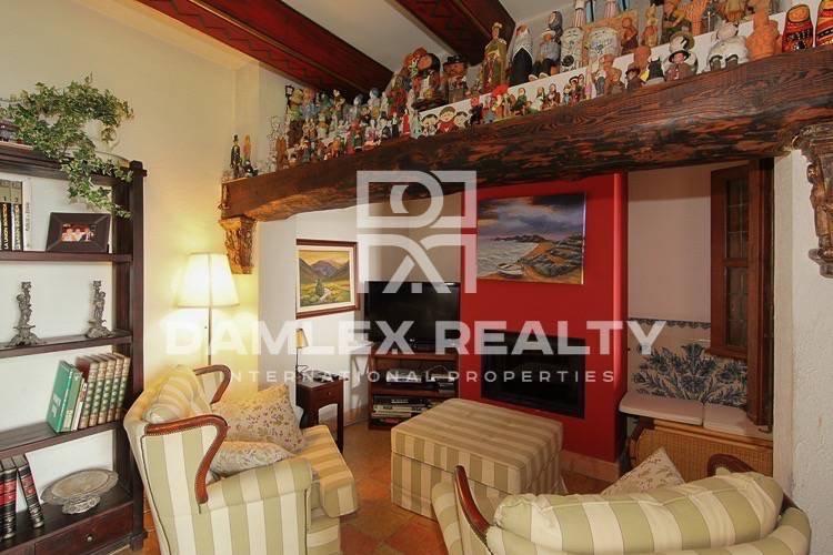 Preciosa casa en venta en Costa Brava, con vistas panorámicas a la bahía. Lloret de Mar