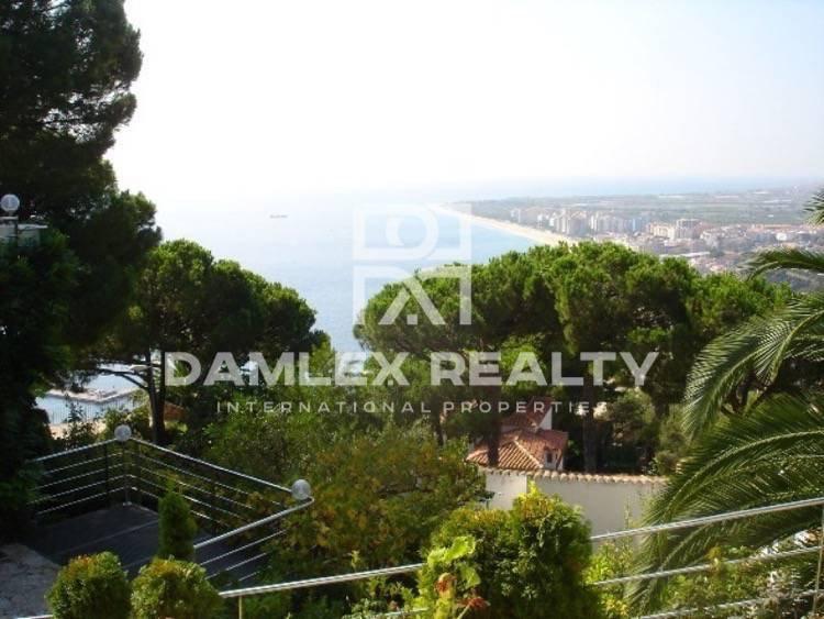Villa con apartamento para invitados en la Costa Brava