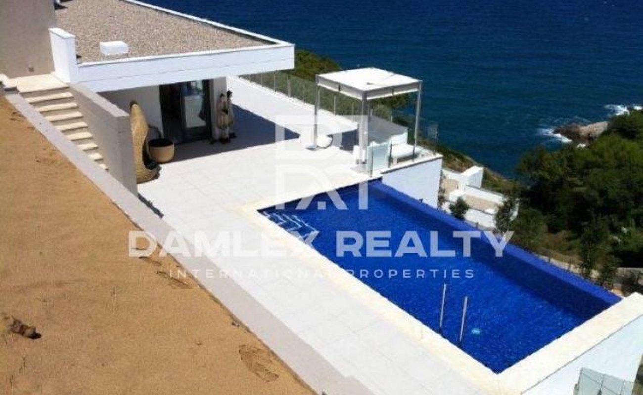 Villa moderna en Costa Brava
