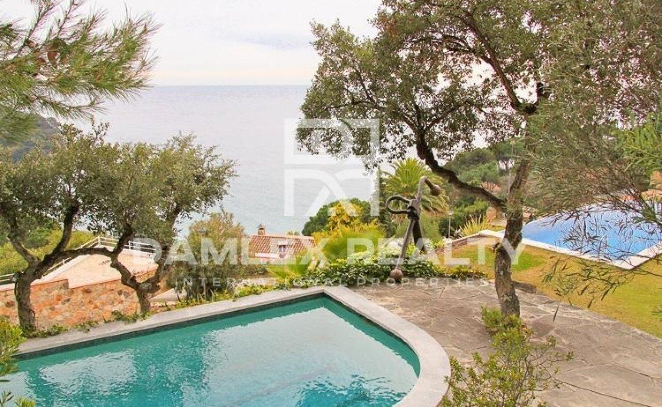 Villa con vistas panorámicas a la bahía en Lloret de Mar