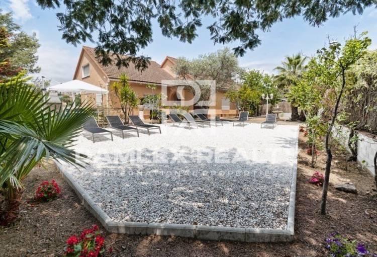 Villa cerca de la playa, en una zona tranquila de Lloret