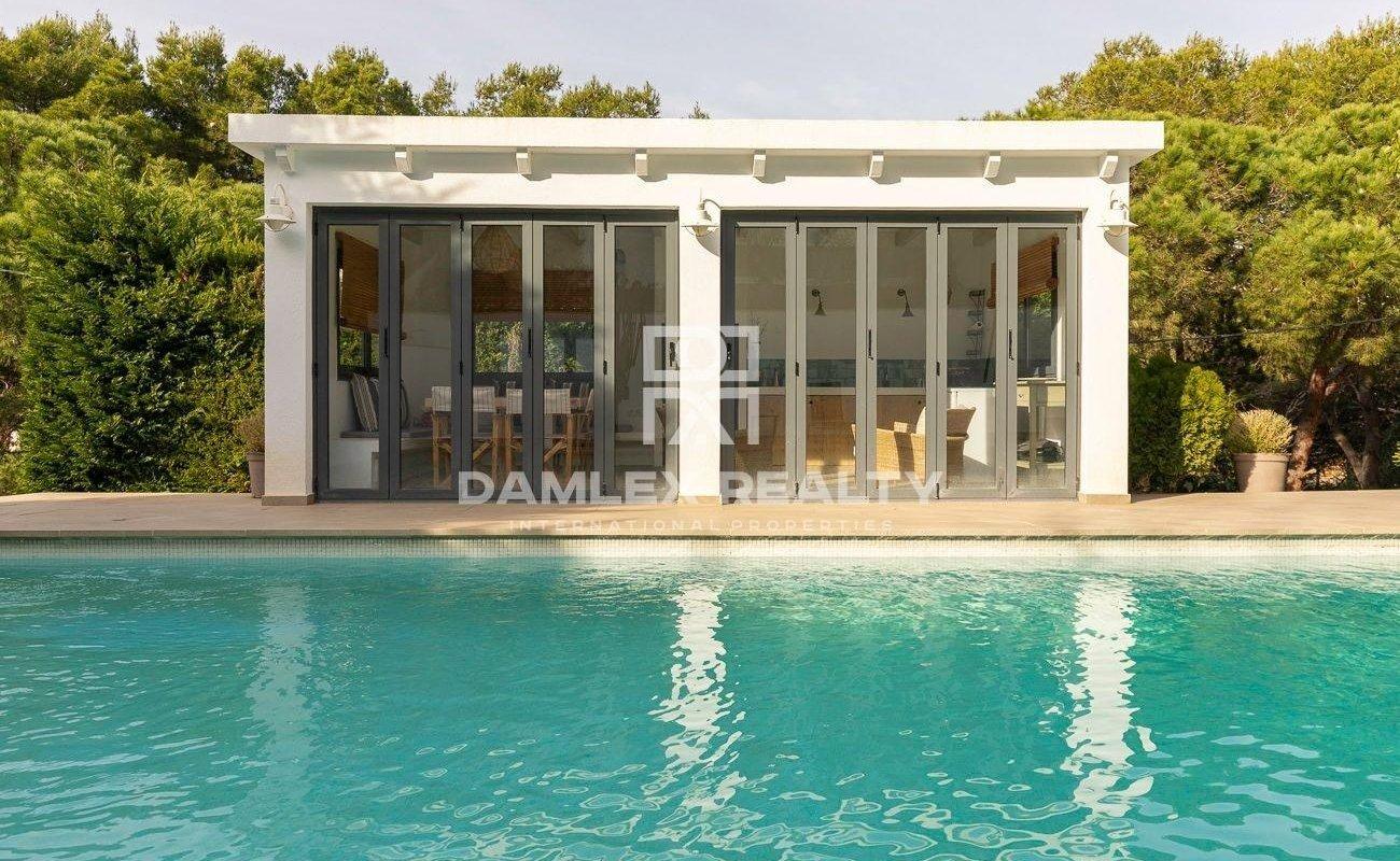 Villa moderna en la urbanización La Montgoda, Lloret de Mar
