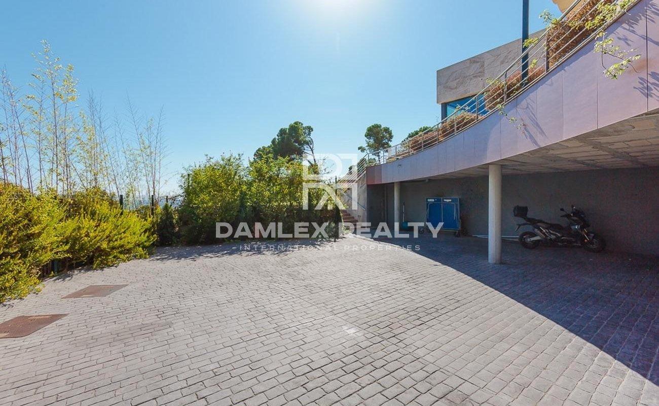 Villa moderna en una comunidad cerrada Cala Sant Francesc