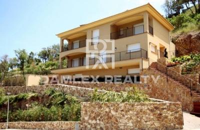 Villa en una urbanización de lujo en la Costa Brava