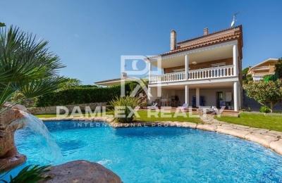 Villa moderna de Canet de Mar, a 3 minutos a pie de la playa