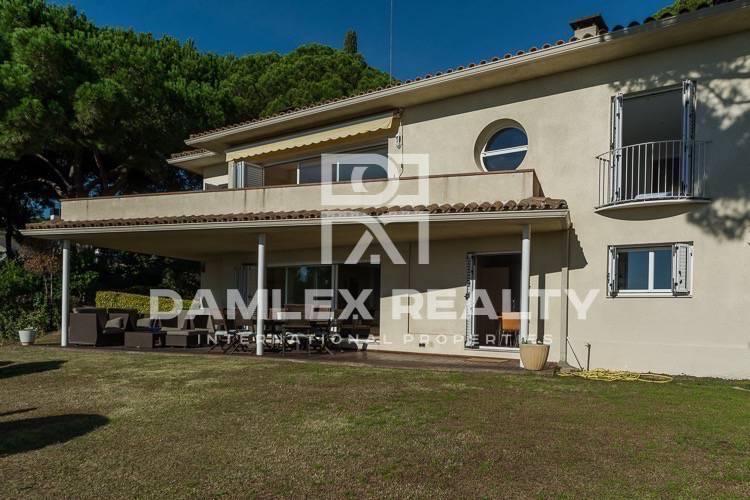 Villa en urbanización exclusiva en Costa Maresme