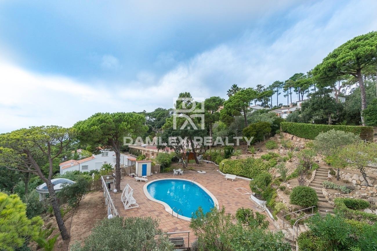 Casa con piscina en la urbanización de la Costa Brava