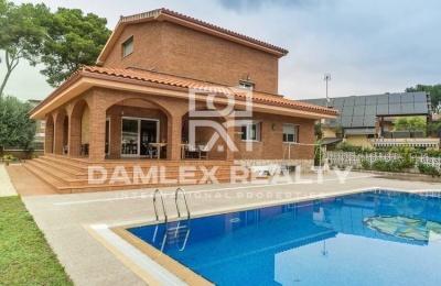 Villa en Castelldefels. Costa de barcelona