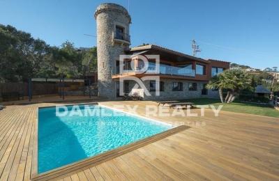 Villa con vistas panorámicas al mar en la localidad de Begur. Costa Brava
