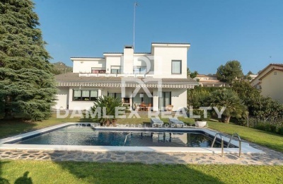 Villa con vistas al mar en la ciudad de Gava. Costa de barcelona