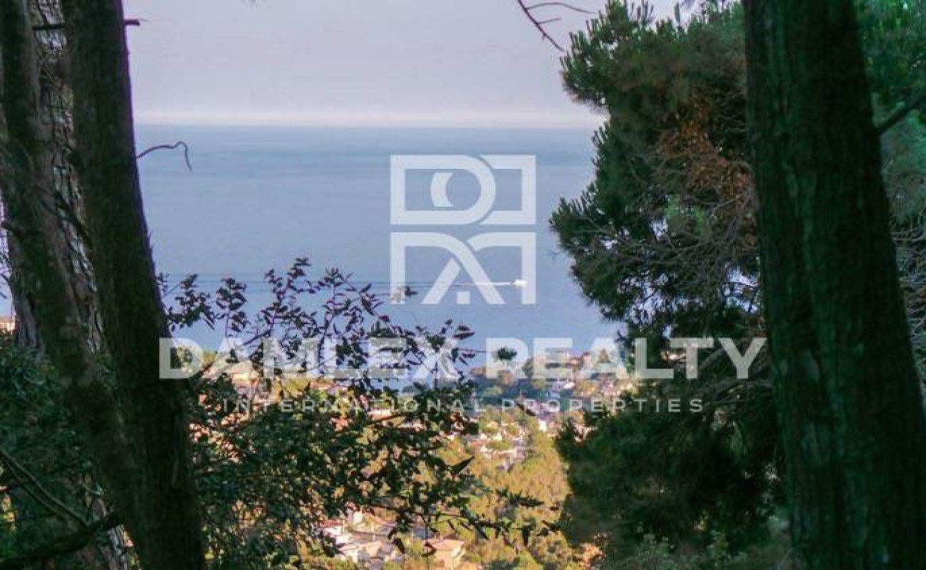Casa con un gran patio y vistas al mar. Lloret de Mar. Costa Brava