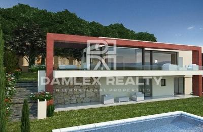 Villa moderna con vistas panorámicas al mar en la Costa Brava