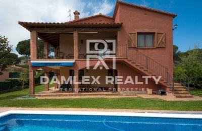 Villa con piscina en Calonge. Costa Brava