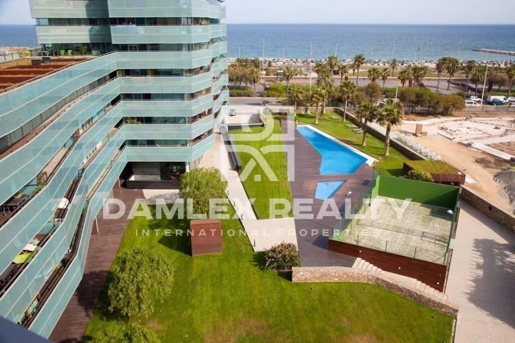 Apartamento de lujo en Barcelona con vistas al mar.
