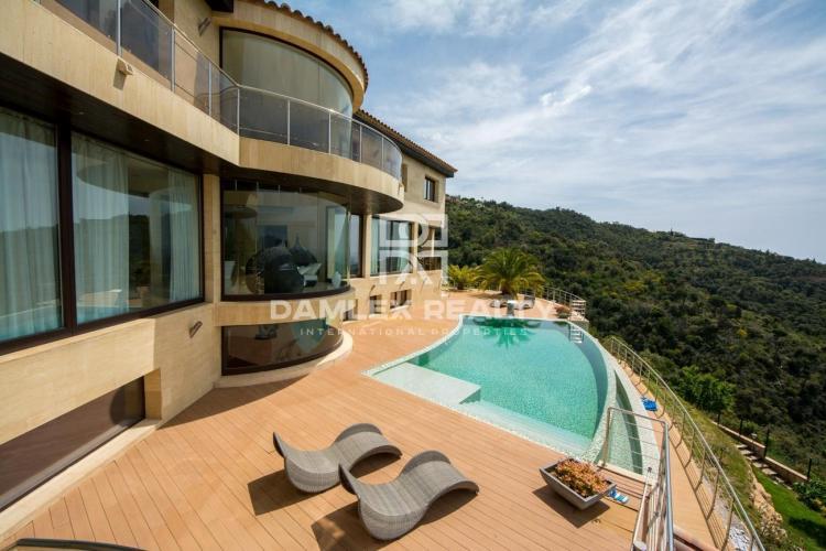 Impresionante villa de lujo con vistas panorámicas al mar en Playa de Aro