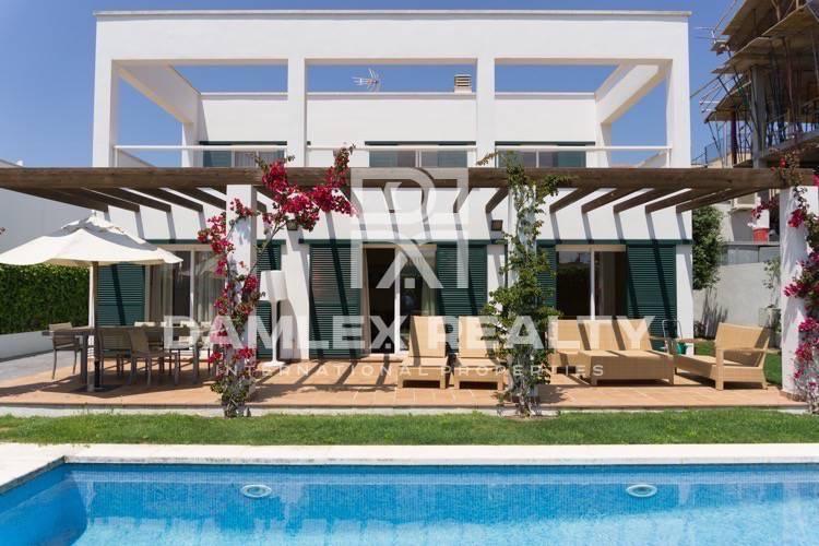 Villa en la urbanización de la localidad de Sant Feliu de Guixols. Costa Brava