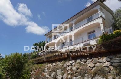 Casa en Premia de Dalt con vistas panorámicas al mar