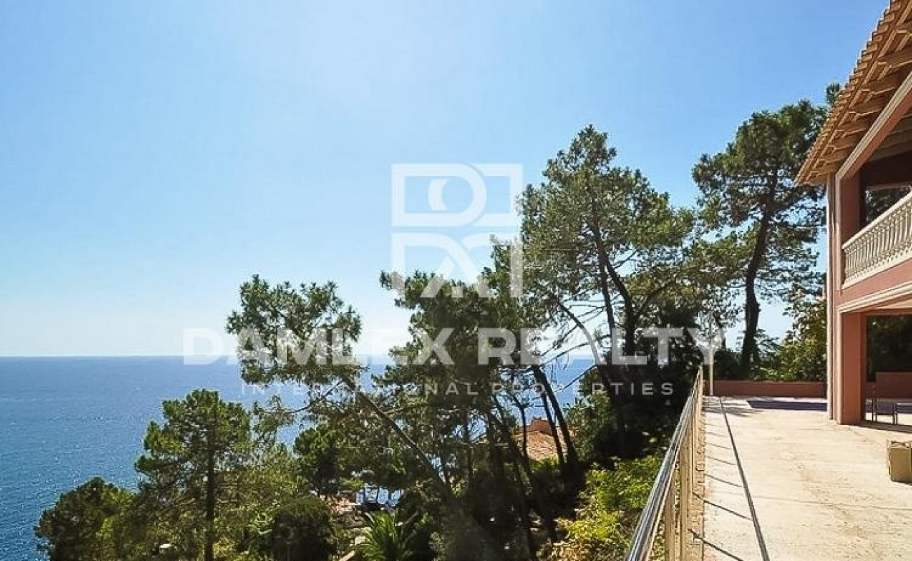 Nueva villa con vistas al mar en Lloret de Mar.