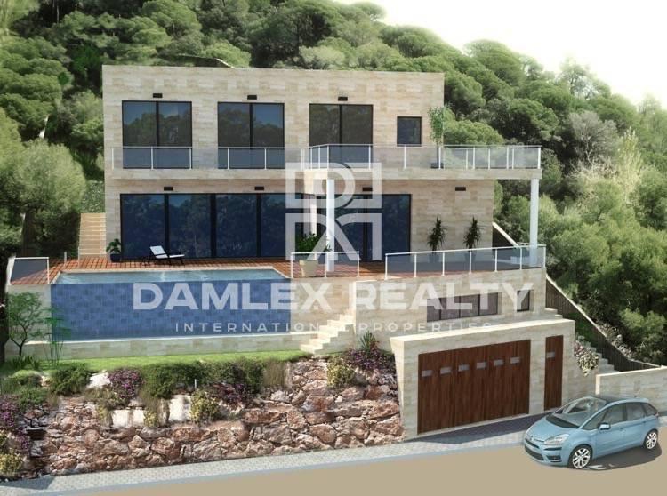 Nueva villa moderna con vistas al mar en Lloret de Mar