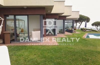 Villa con vistas panorámicas al mar en la ciudad de Premia de Dalt. Costa de barcelona