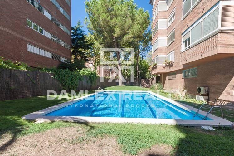 Apartamento de dos plantas de 255 m2 en el barrio de Pedralbes. Barcelona