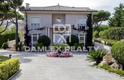 """Villa de lujo en el estilo clásico en la ciudad de S""""Agaró. Costa Brava"""