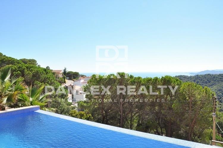 Villa moderna con vistas al mar. Costa Brava