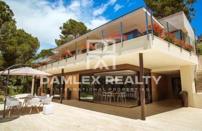 Villa en Tossa de Mar, en una urbanización con vigilancia