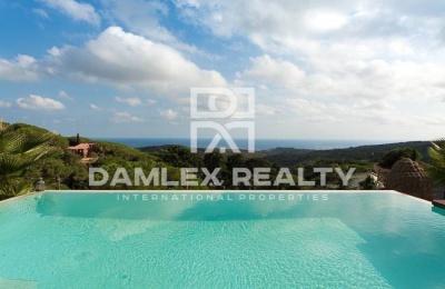 Villa con una vista panorámica al mar, costa de Barcelona