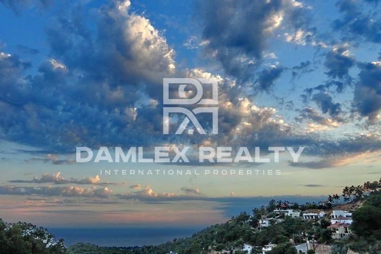 Villa en Lloret de Mar con vistas al mar ya la montaña. Costa Brava