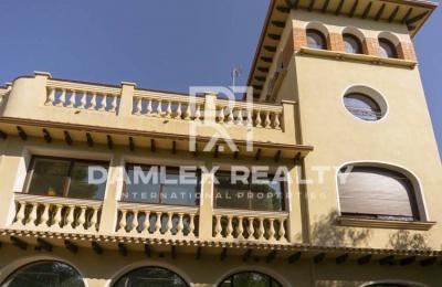 Villa a 500 metros de la playa en  Castelldefels