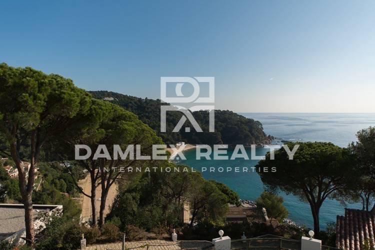Villa con vistas a la magnífica bahía. Costa Brava