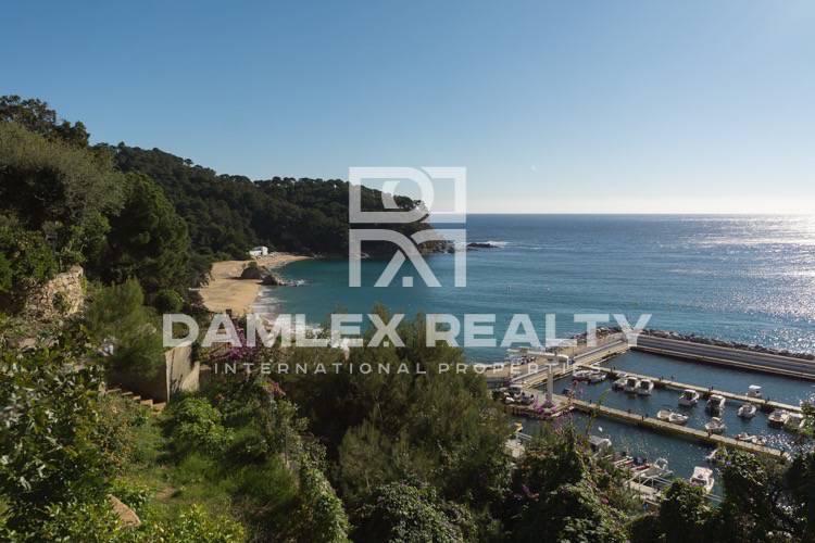 Villa en la primera línea de la playa en Lloret de Mar