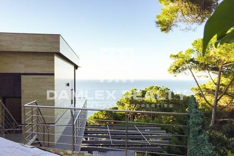 Villa en Lloret de Mar, con acceso privado a la playa