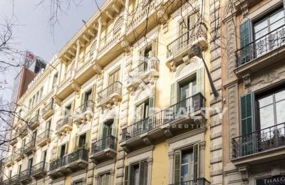 Apartamento en la planta superior en el centro de Barcelona