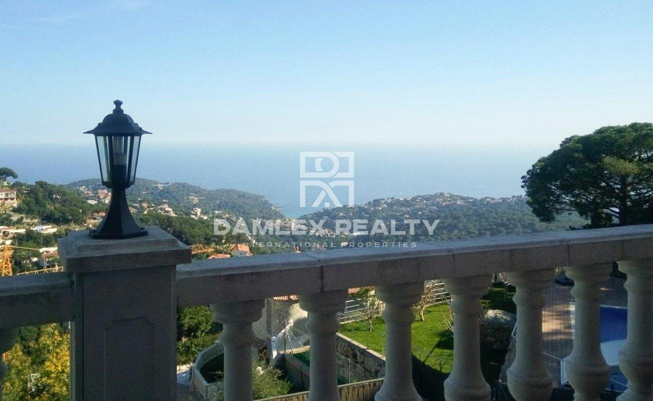 Casa / Villa de 4 habitaciones, parcela 800m2, en venta en Lloret de Mar, Costa Brava
