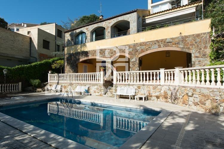 Villa con vistas al mar en Cabrils