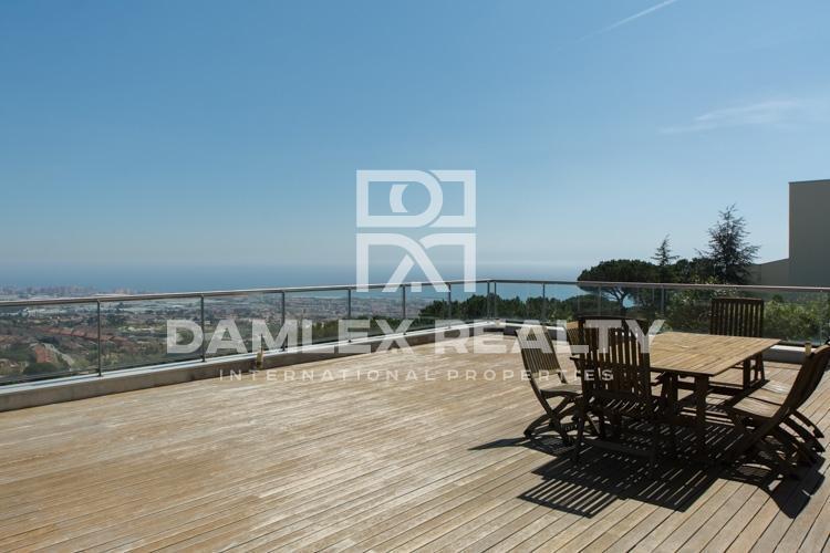 Villa con vistas panorámicas en Premia de Dalt