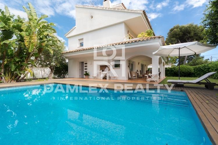 Villa en la exclusiva localidad de Sitges, a 250 metros de la playa