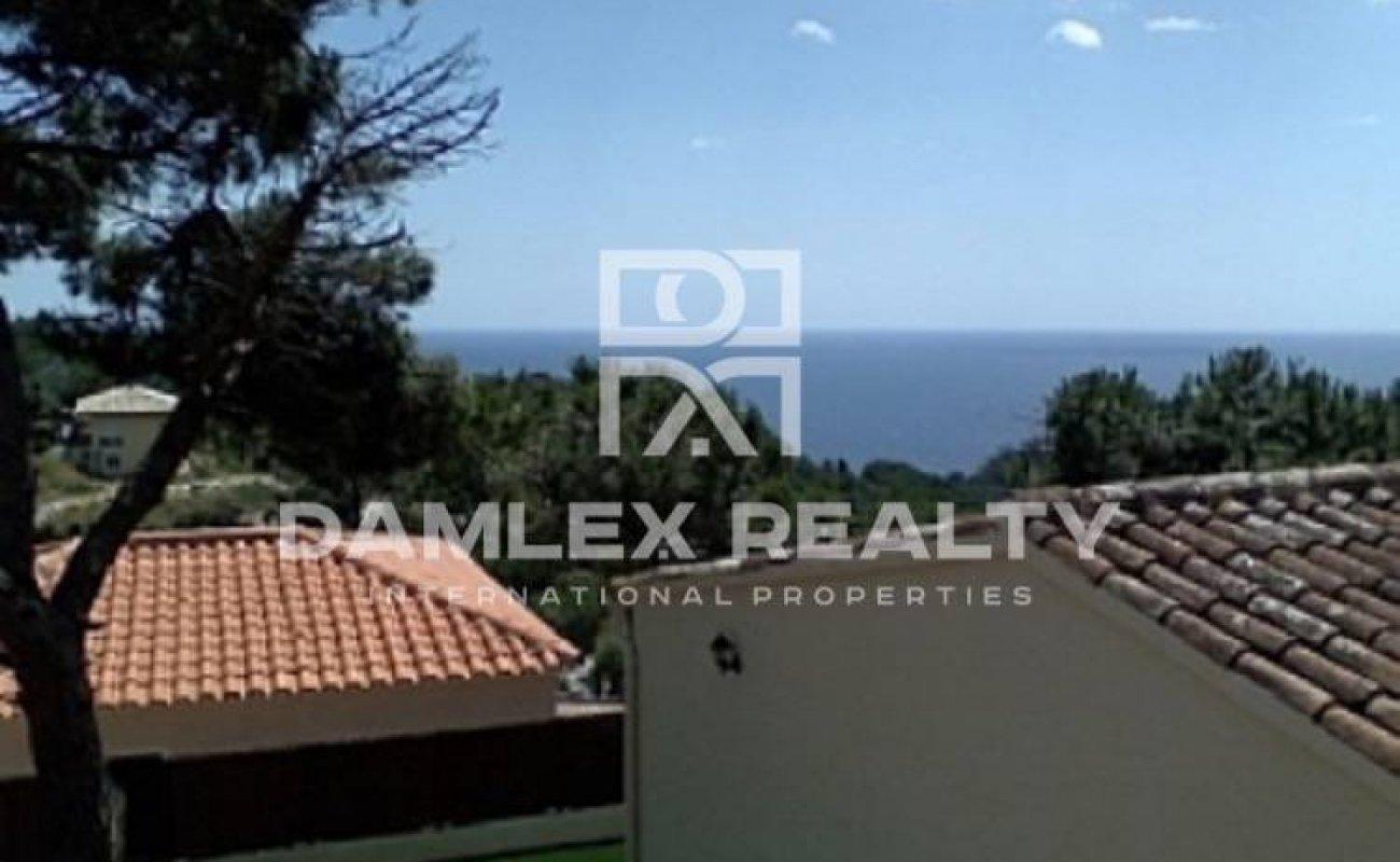 Acogedora casa con vistas al mar en urbanización vigilada. Costa Brava