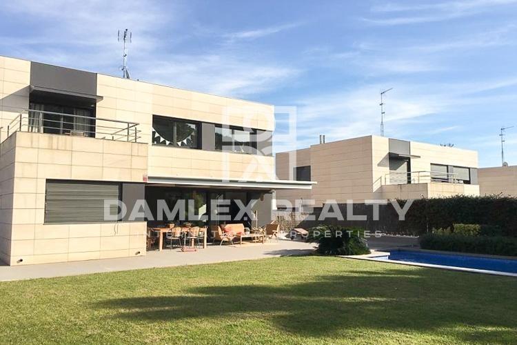 Nuevas villas a poca distancia del mar en Sant Andreu de Llavaneras